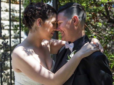 gay-marriage-lesbian-wedding